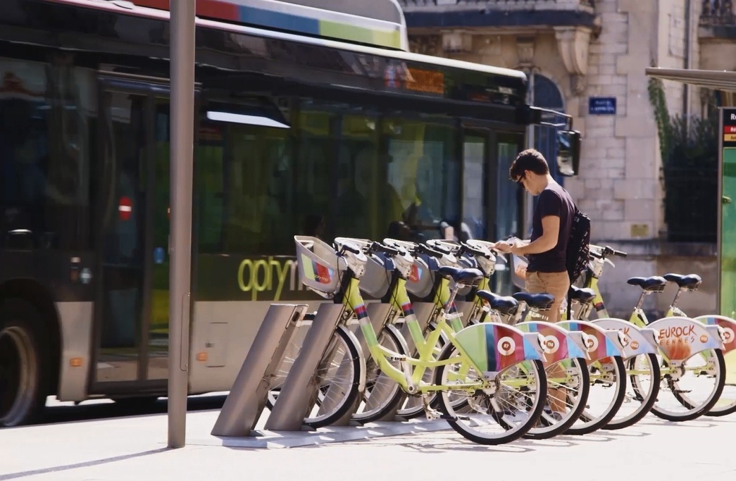 Belfort bus and bike sharing station